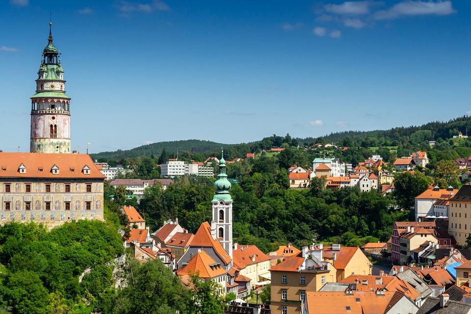 S vozem z půjčovny dodávek Praha po hradech a zámcích