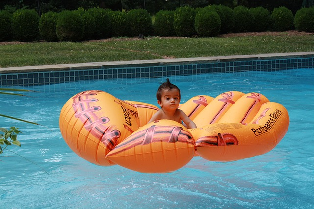Nadzemní bazén versus zapuštěný do země